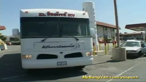partouze anale dans un bus