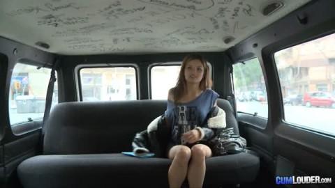 Miyuki se fait déchirer dans le bus