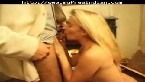 blonde avec arabe faciale