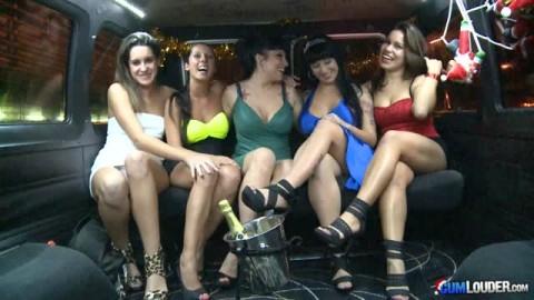 Nuria Samoa, Noemi Jolie, Laura Moreno, Jenny Hard et Gigi Love pour une partouze