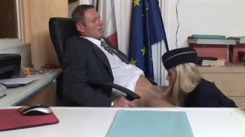 femme flic et patron