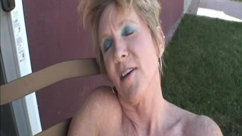 Honey Ray une femme mature